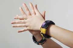 Due mani Fotografie Stock