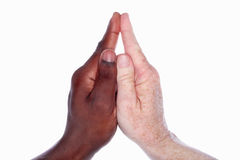 Due mani che formano una chiesa con uno Steeple (basato su han del bambino Fotografie Stock