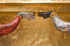 Due mani giganti. Fotografie Stock Libere da Diritti