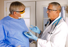 Due medici immagini stock