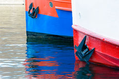 Due navi da carico che aspettano alla vela fotografie stock libere da diritti