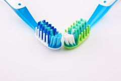 Due nuovi toothbrushes fotografia stock