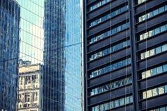 Due pareti di vetro delle costruzioni Fotografia Stock