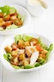 Due piatti dell'insalata di caesar Immagine Stock