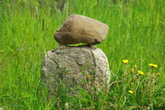 Due pietre sopra a vicenda Fotografia Stock Libera da Diritti
