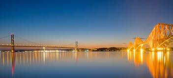Due ponti sopra l'estuario di avanti Fotografia Stock