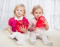 Due ragazze fotografie stock
