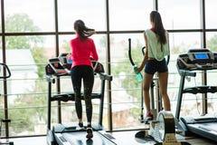 Due ragazze in ginnastica Fotografia Stock