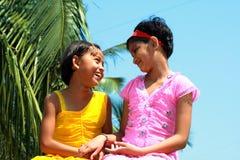 Due ragazze piacevoli Fotografie Stock Libere da Diritti