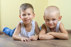 Due ragazzi felici Fotografia Stock Libera da Diritti