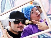 Due rapper tramite uno specchio Fotografia Stock