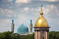 Due religioni differenti fotografia stock