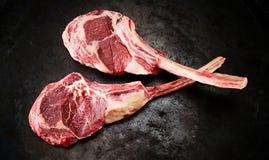 Due ribeye o bistecche grasso crudo di Delmonico fotografia stock