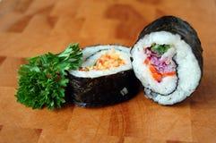 Due rotoli di sushi Fotografie Stock Libere da Diritti