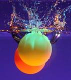 Due sfere in acqua Immagini Stock