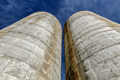 Due silos Immagini Stock