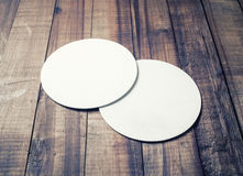 Due sottobicchieri in bianco Fotografie Stock