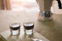 Due tazze del caffè espresso sul legno Fotografie Stock