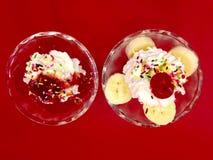 Due tazze del gelato Immagini Stock Libere da Diritti