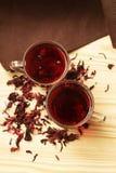 Due tazze del tè dell'ibisco Immagine Stock