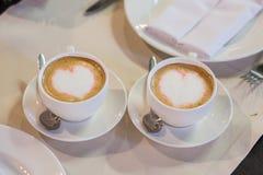 Due tazze di caffè del cappuccino Fotografia Stock Libera da Diritti
