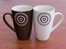Due tazze di ceramica Immagini Stock