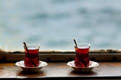 Due tazze di tè di vetro Fotografie Stock