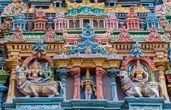 Due tori, Shiva e tre figure di Meenakshi Fotografie Stock