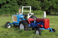 Due trattori di agricoltura Immagini Stock