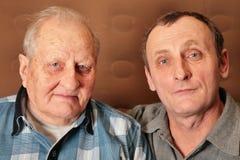 Due uomini anziani fotografie stock