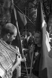 Due uomini che si parlano Fotografie Stock Libere da Diritti