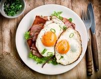 Due uova fritte Fotografie Stock Libere da Diritti