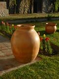 Due vasi di terracota Fotografie Stock Libere da Diritti