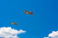Due vecchi aerei dell'elica Fotografie Stock