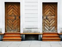 Due vecchi portelli di legno Immagini Stock Libere da Diritti