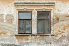 Due vecchie finestre rotte Fotografia Stock Libera da Diritti