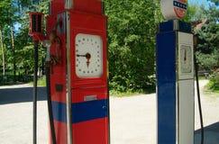 Due vecchie pompe di benzina Fotografia Stock