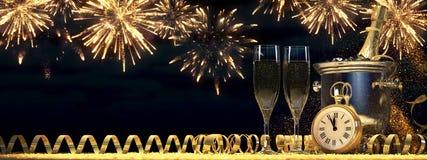 Due vetri con champagne e la bottiglia rappresentazione 3d Immagini Stock Libere da Diritti