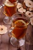 Due vetri del tè della frutta secca Fotografia Stock