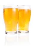 Due vetri della birra chiara fresca con gomma piuma Fotografia Stock Libera da Diritti