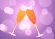 Due vetri di champagne sui precedenti rosa Immagini Stock Libere da Diritti
