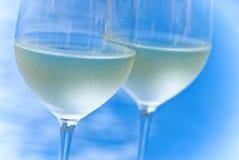 Due vetri di vino bianco Fotografia Stock