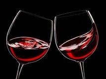 Due vetri di vino rosso fotografia stock