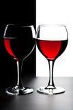 Due vetri di vino rosso isolati Fotografie Stock Libere da Diritti