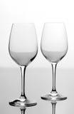 Due vetri di vino vuoti Immagini Stock