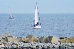 Due yacht nel mare Fotografia Stock Libera da Diritti