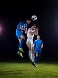 Duell för fotbollspelare Royaltyfria Bilder