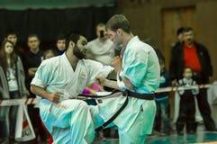 Duell von Karatepraktikern Lizenzfreie Stockfotos