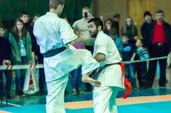 Duell von Karatepraktikern Stockfotografie