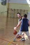 Duelo del baloncesto Imágenes de archivo libres de regalías